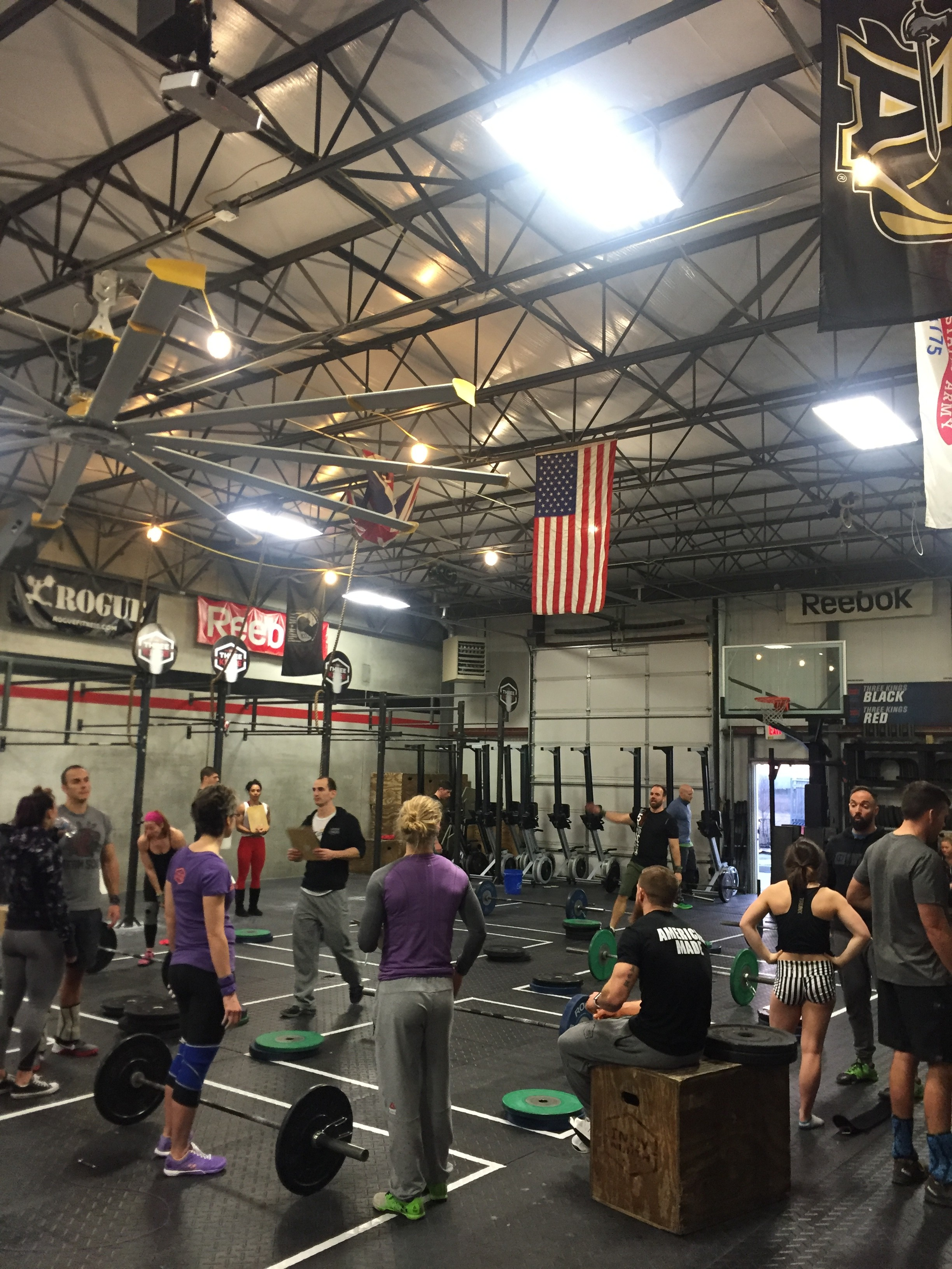 Three Kings CrossFit prior to a heat of 16.2